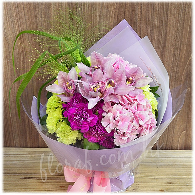 BO194  惠蘭花束 -惠蘭、繡球、康乃馨花束