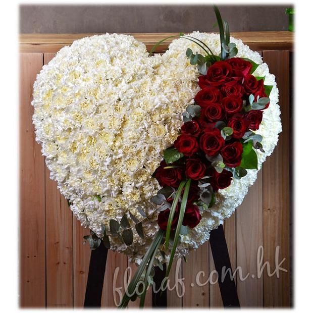 F54康乃馨 + 紅玫瑰 心型花圈